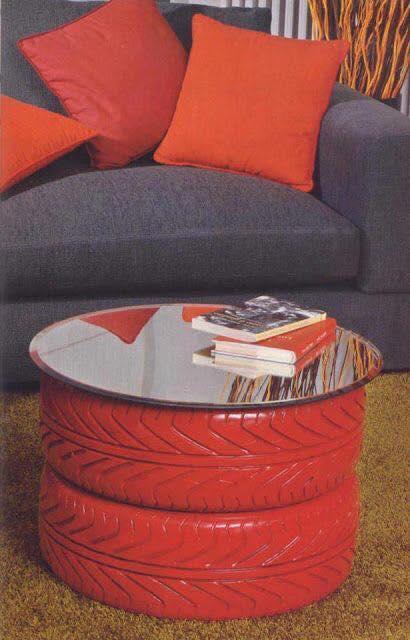 Mesa con vidrio y neumático reciclaje