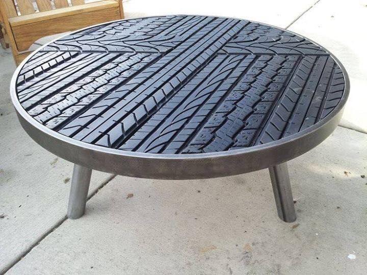 Mesita de neumático reciclaje