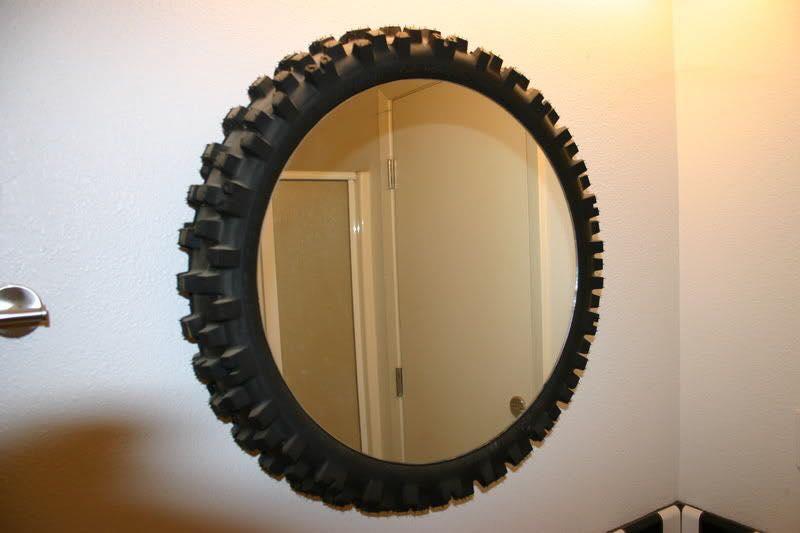 Espejo con neumático reciclaje